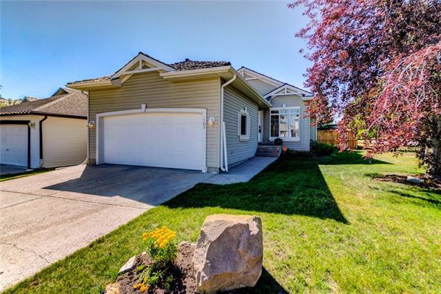 103 Rocky Ridge Bay NW, Calgary, AB T3G 4E6 (#C4196130) :: Tonkinson Real Estate Team