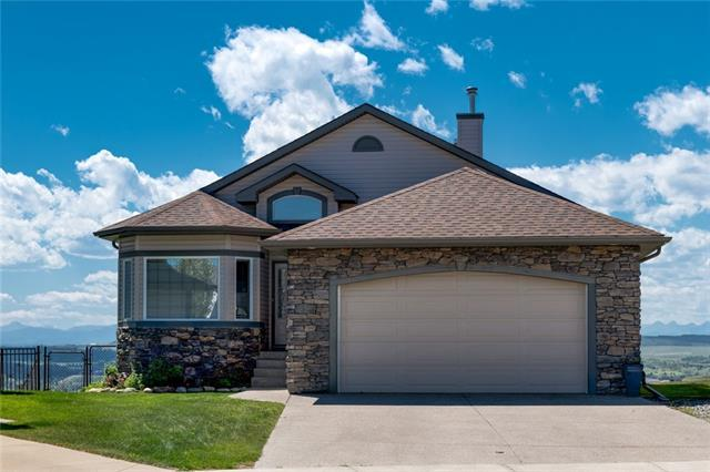 76 Sunset Close, Cochrane, AB T4C 0B1 (#C4196166) :: Redline Real Estate Group Inc