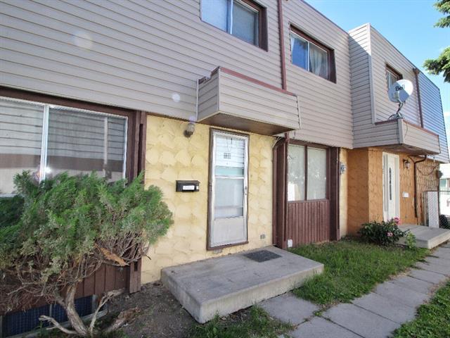 12 Blackthorn Bay NE #106, Calgary, AB T2K 5L4 (#C4196192) :: Calgary Homefinders