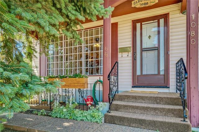 1080 Marcombe Crescent NE, Calgary, AB T2A 4H8 (#C4196205) :: Carolina Paredes - RealHomesCalgary.com