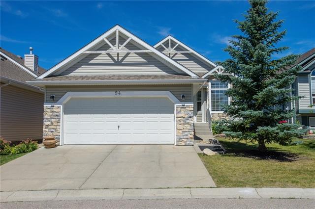 94 Rocky Ridge Green NW, Calgary, AB T3G 4R4 (#C4196211) :: Tonkinson Real Estate Team