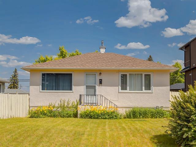 3918 Centre B Street NW, Calgary, AB T2K 0W2 (#C4196350) :: Redline Real Estate Group Inc