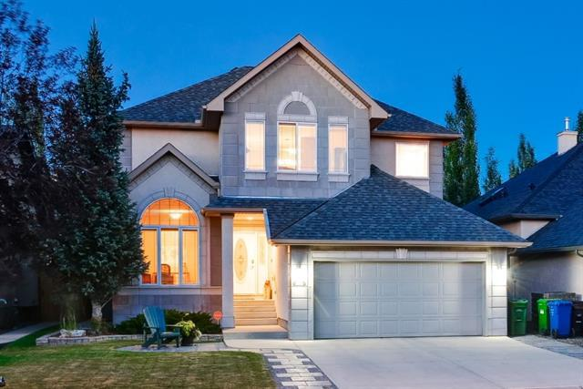 153 Strathlea Place SW, Calgary, AB T3H 4T6 (#C4196362) :: Tonkinson Real Estate Team