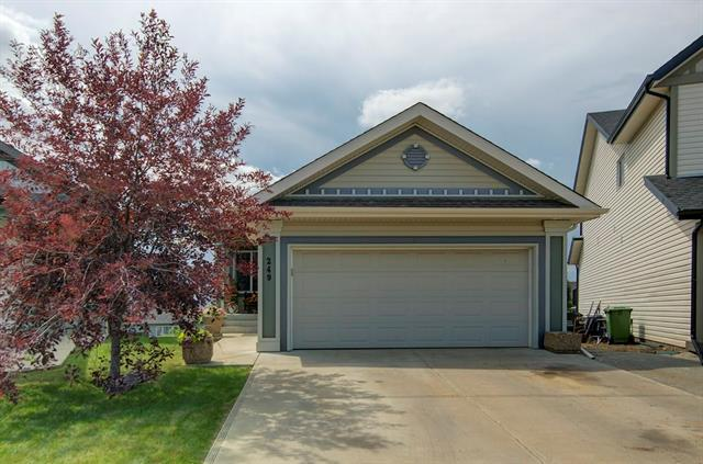 249 Sunset Heights, Cochrane, AB T4C 0E1 (#C4196392) :: Redline Real Estate Group Inc