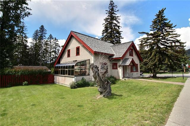 137 Lynx Street, Banff, AB T1L 1A7 (#C4196414) :: Canmore & Banff