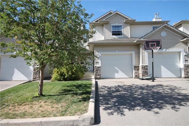 5031 Applevillage Court SE, Calgary, AB T2A 7Z7 (#C4196435) :: Calgary Homefinders