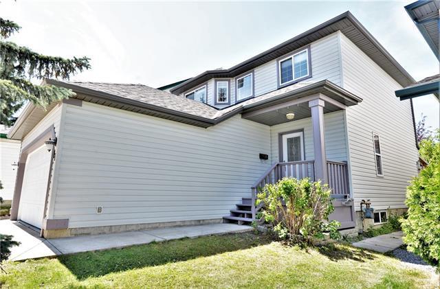 17 Hidden Valley Manor NW, Calgary, AB T2G 0H1 (#C4196453) :: Calgary Homefinders