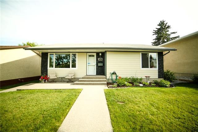 611 Hunts Crescent NW, Calgary, AB T2K 4J2 (#C4196553) :: Tonkinson Real Estate Team