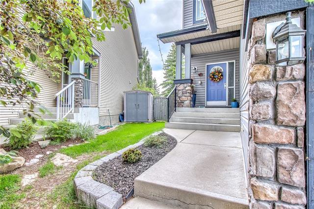 46 Cougarstone Circle SW, Calgary, AB T3H 4W3 (#C4196560) :: Tonkinson Real Estate Team