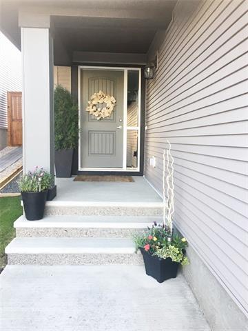 171 Sage Bluff Green NW, Calgary, AB T3R 0X9 (#C4196564) :: Your Calgary Real Estate