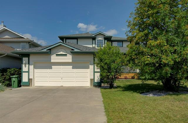 146 Gleneagles Close, Cochrane, AB T4C 1N6 (#C4196611) :: Redline Real Estate Group Inc