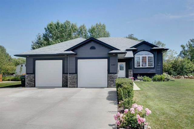 107 Sierra Place, Olds, AB T4H 1Z1 (#C4196748) :: Redline Real Estate Group Inc