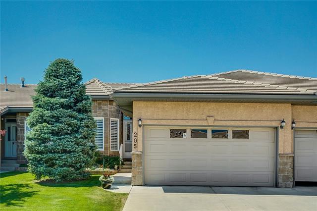 205 Shannon Estates Terrace SW, Calgary, AB T2Y 4C5 (#C4196829) :: Your Calgary Real Estate