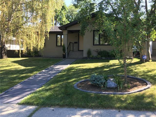 9 Manor Road SW, Calgary, AB T2V 1Z8 (#C4196855) :: The Cliff Stevenson Group