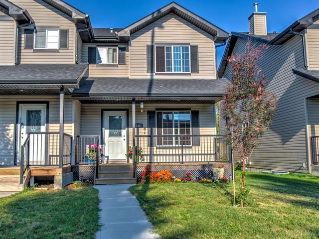 135 Centre Street, Strathmore, AB T1P 1G9 (#C4196897) :: Calgary Homefinders
