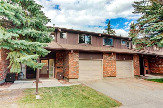 2323 Oakmoor Drive SW #4, Calgary, AB T2V 4T2 (#C4197231) :: Redline Real Estate Group Inc