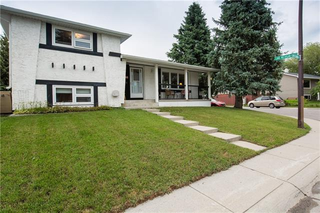 1347 Lake Sylvan Drive SE, Calgary, AB T2J 3E3 (#C4197432) :: Calgary Homefinders