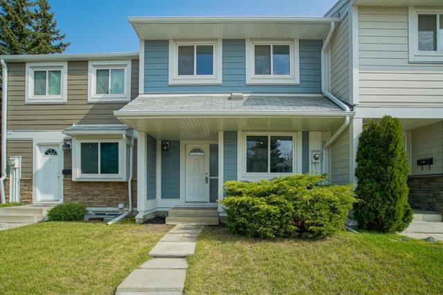 220 Georgian Villa(S) NE, Calgary, AB T2A 7C9 (#C4197555) :: Canmore & Banff