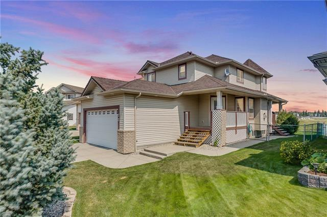 72 Willowbrook Crescent NW, Airdrie, AB T4B 2S4 (#C4197583) :: Redline Real Estate Group Inc