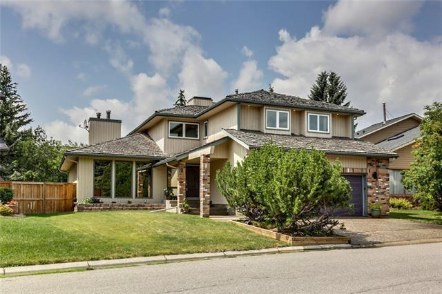 36 Wood Willow Place SW, Calgary, AB T2W 4H5 (#C4197643) :: Canmore & Banff