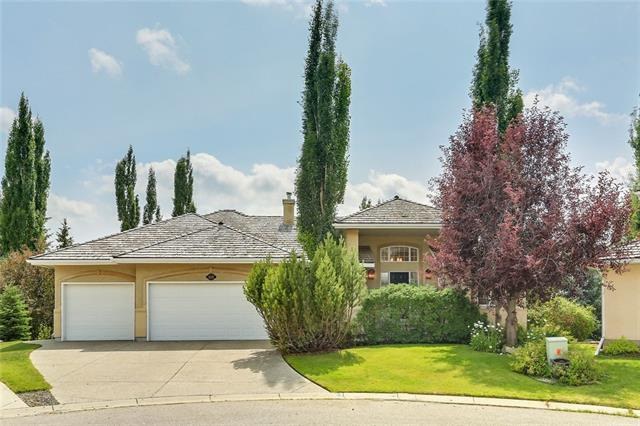 418 Candle Place SW, Calgary, AB T2W 3B3 (#C4197646) :: Redline Real Estate Group Inc