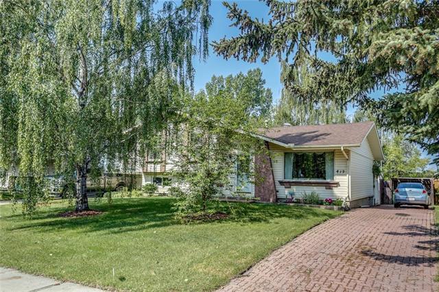 419 Cedarille Crescent SW, Calgary, AB T2W 2H5 (#C4197772) :: Canmore & Banff