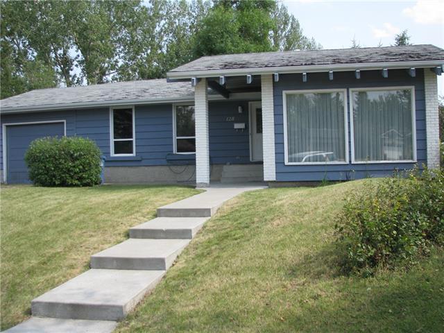 128 Cannington Place SW, Calgary, AB T1X 1G2 (#C4197821) :: Redline Real Estate Group Inc