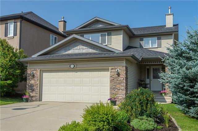 15 Crestmont Drive SW, Calgary, AB T3B 5Y1 (#C4197826) :: Redline Real Estate Group Inc
