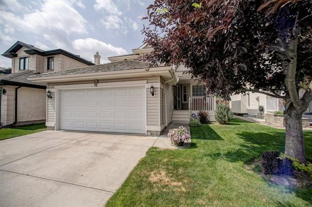 15 Valley Ponds Way NW, Calgary, AB T3B 5T5 (#C4197924) :: Canmore & Banff