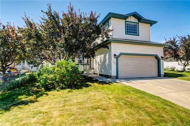 797 Applewood Drive SE, Calgary, AB T2A 7T7 (#C4197938) :: Redline Real Estate Group Inc