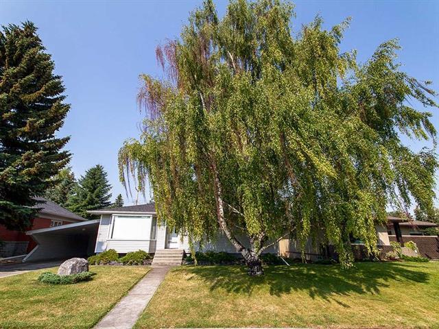 9 Mackay Drive SW, Calgary, AB T2V 2A3 (#C4197956) :: Redline Real Estate Group Inc