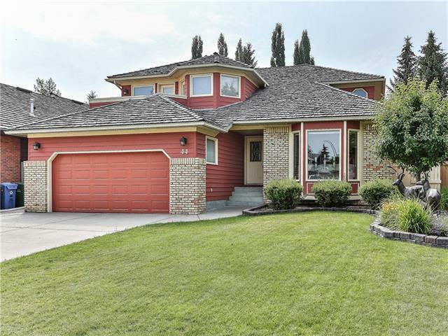 44 Oakmount Court SW, Calgary, AB  (#C4198080) :: Canmore & Banff
