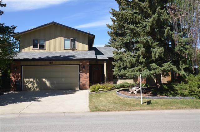 110 Woodbend Way, Okotoks, AB T1S 1L6 (#C4198134) :: Canmore & Banff