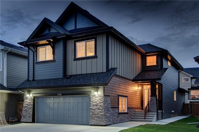 148 Valley Pointe Place NW, Calgary, AB T3B 6B1 (#C4198181) :: Canmore & Banff