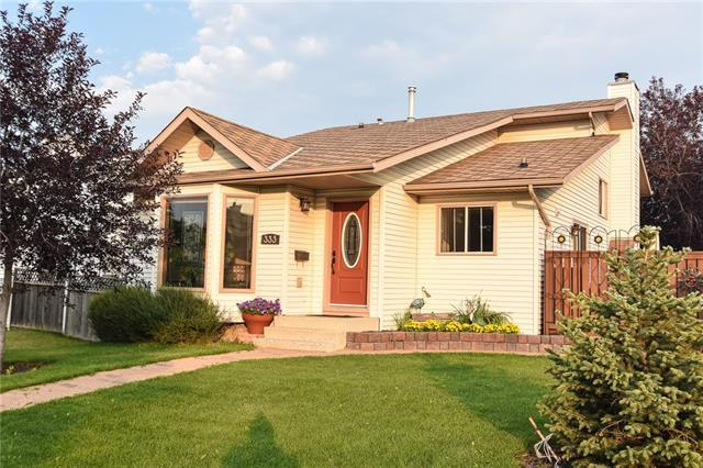 333 Sandstone Drive NW, Calgary, AB T3K 3R5 (#C4198307) :: Canmore & Banff