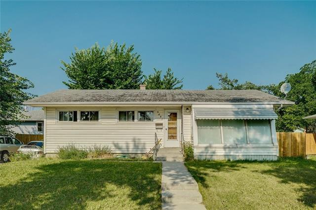 9431 Elbow Drive SW, Calgary, AB T2V 1L8 (#C4198313) :: Canmore & Banff