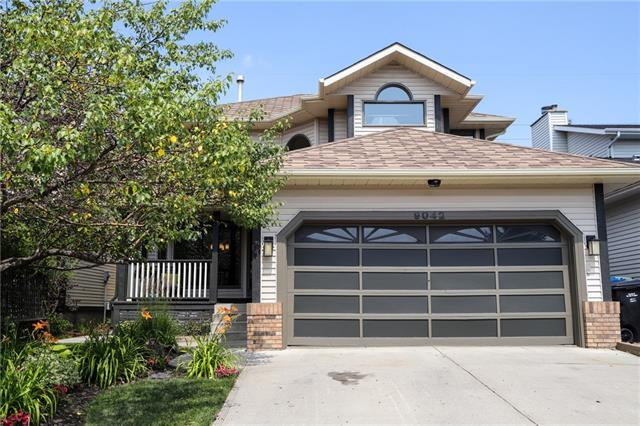 9042 Scurfield Drive NW, Calgary, AB T3L 1V4 (#C4198377) :: Canmore & Banff