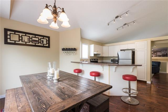 286 Somerset Drive SW, Calgary, AB T2Y 3M1 (#C4198448) :: The Cliff Stevenson Group