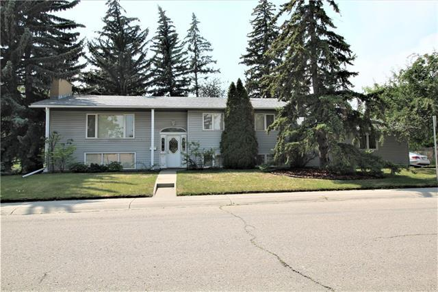 2303 Usher Road NW, Calgary, AB T2N 4E2 (#C4198568) :: The Cliff Stevenson Group
