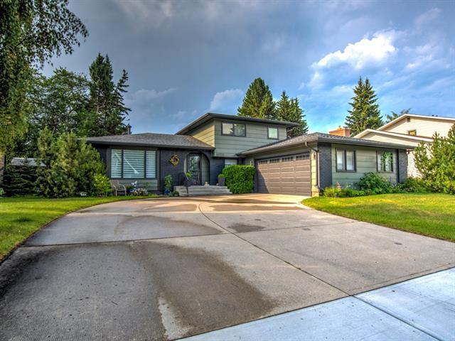 10712 Willowgreen Drive SE, Calgary, AB T2J 1P6 (#C4198849) :: Canmore & Banff
