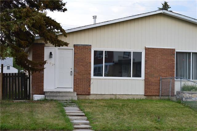 202 Penworth Drive SE, Calgary, AB T2A 5E2 (#C4198863) :: Canmore & Banff