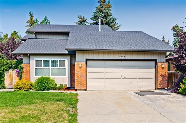 671 Deercroft Way SE, Calgary, AB T2J 5V4 (#C4198878) :: Redline Real Estate Group Inc