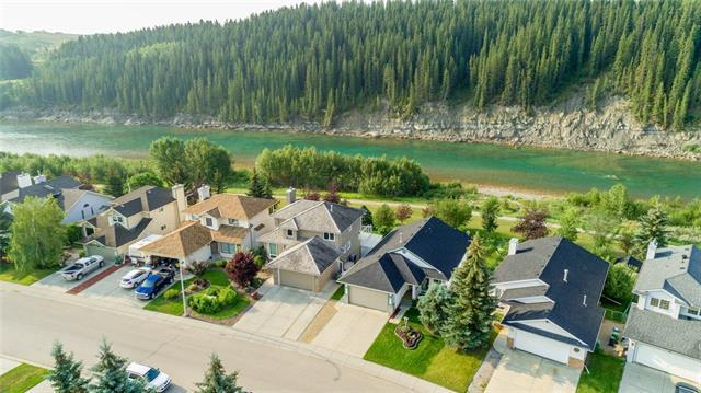 92 Riverview Circle, Cochrane, AB T4C 1K4 (#C4198965) :: Redline Real Estate Group Inc