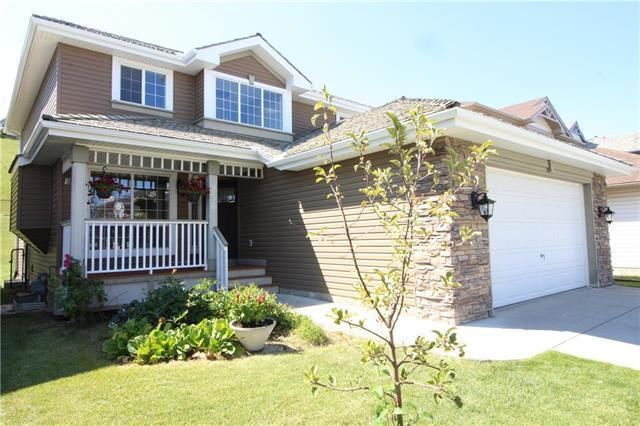 256 Edgebrook Park NW, Calgary, AB T3A 5T7 (#C4199204) :: Redline Real Estate Group Inc