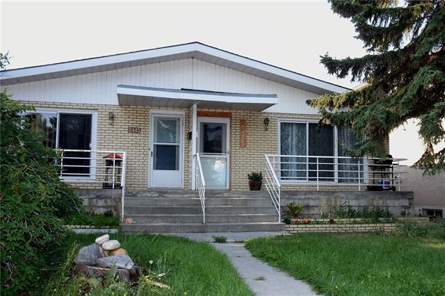 2415 53 Avenue SW, Calgary, AB T3E 1L4 (#C4199463) :: Redline Real Estate Group Inc