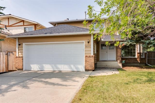 8207 Edgebrook Drive NW, Calgary, AB T3A 4K9 (#C4199514) :: Redline Real Estate Group Inc