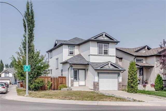 1066 Everridge Drive SW, Calgary, AB T2Y 4X3 (#C4199556) :: Your Calgary Real Estate