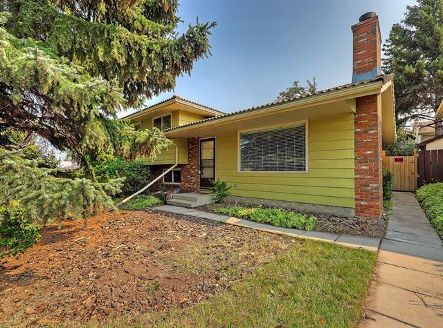 727 120 Avenue SW, Calgary, AB T2W 1V4 (#C4199577) :: Redline Real Estate Group Inc