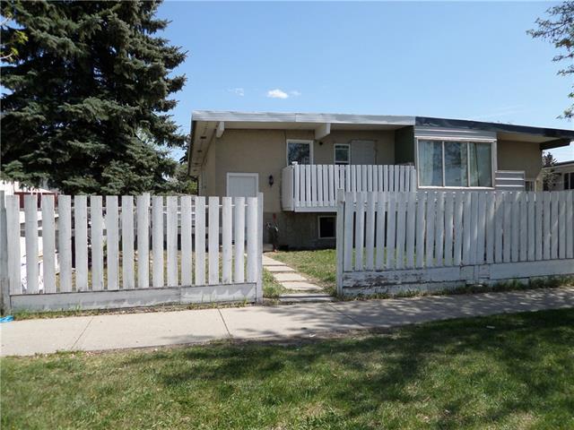6315 Penbrooke Drive SE, Calgary, AB T2A 3P2 (#C4199582) :: Canmore & Banff