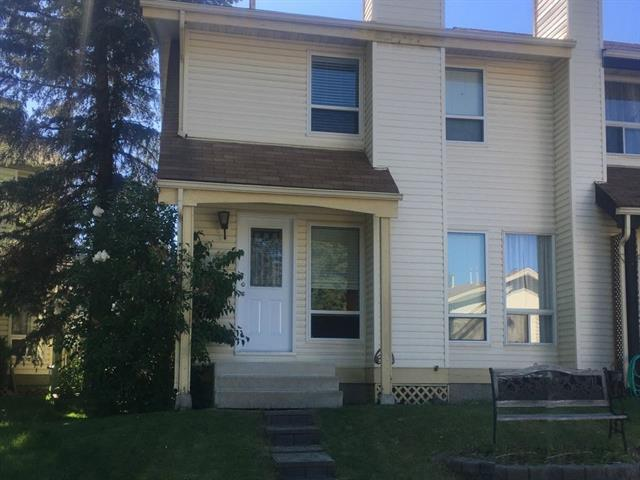 15 Woodhill Court SW, Calgary, AB T2W 3P1 (#C4199586) :: Canmore & Banff